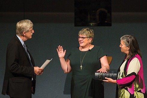 Dr. Brennan Publicly Sworn in as NLM Director